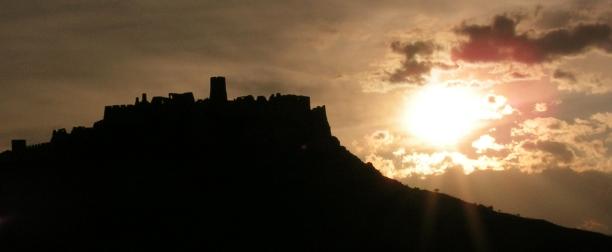 Podujatia - Nocna silueta hradu